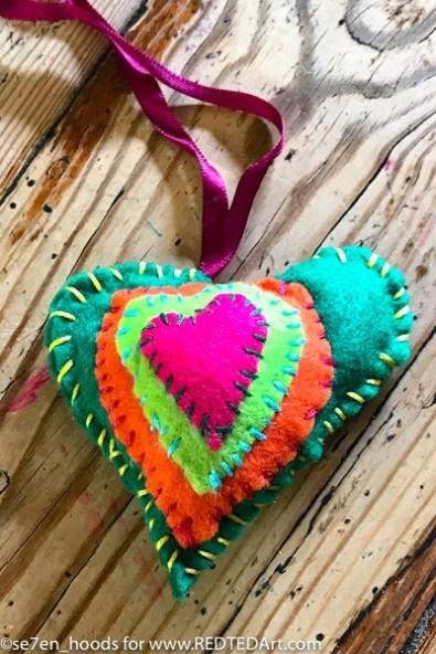 felt-hearts-1.jpg