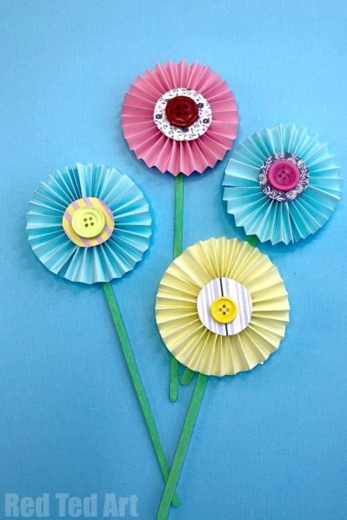Easy-paper-flower-craft-3.jpg