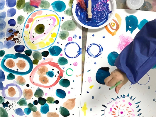 Yayoi-Kusama-Inspired-Dot-Paintings-for-Kids_feature-image.jpg